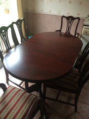 Regency Mahagony dining table and 6 charis
